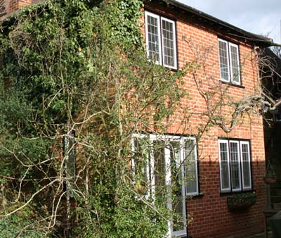 Maidenhead self catering apartment for short term let. Rooms to let in Maidenhead